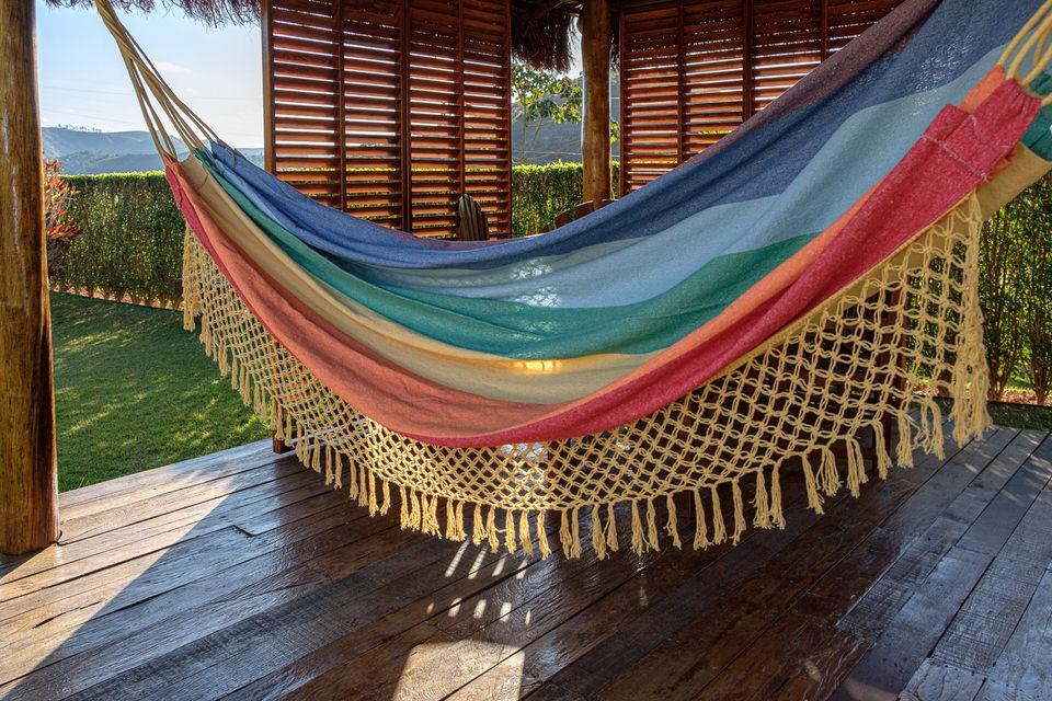 Rede de Crochê - Arco-íris com Babado Amarelo