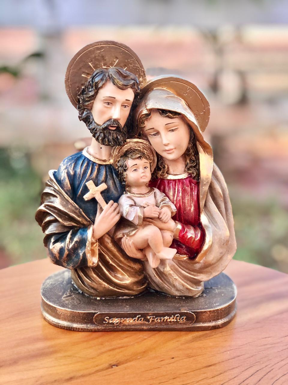 Sagrada Família em Resina - 20 cm