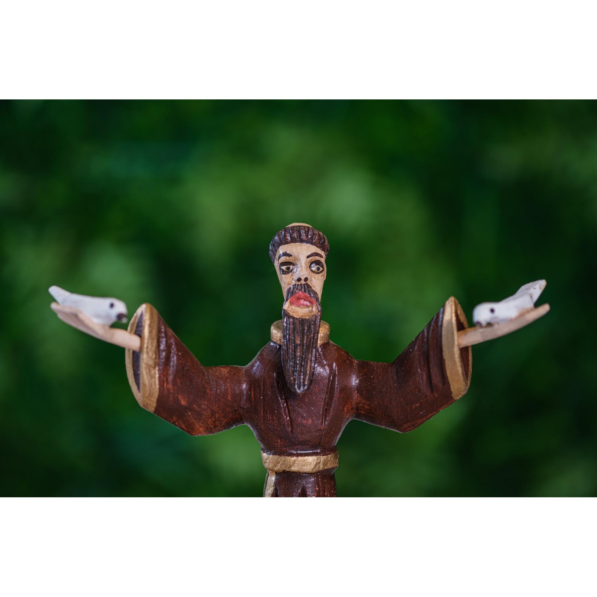São Francisco de braços aberto em madeira