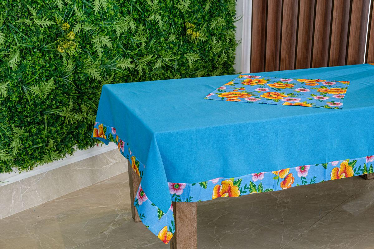 Toalha de Mesa Azul Clara Barra de Chita com Compose