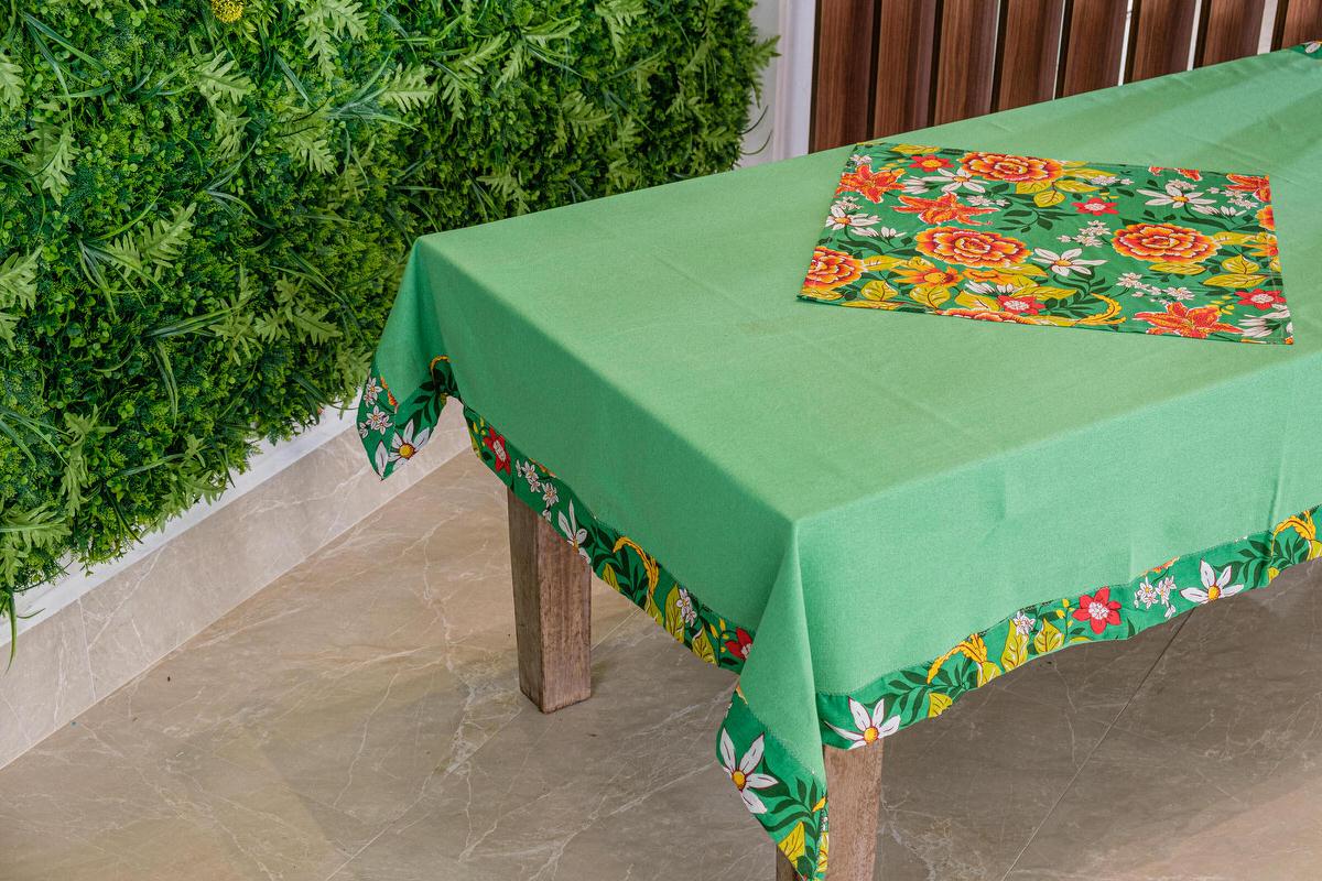 Toalha de Mesa Verde Barra de Chita com Compose