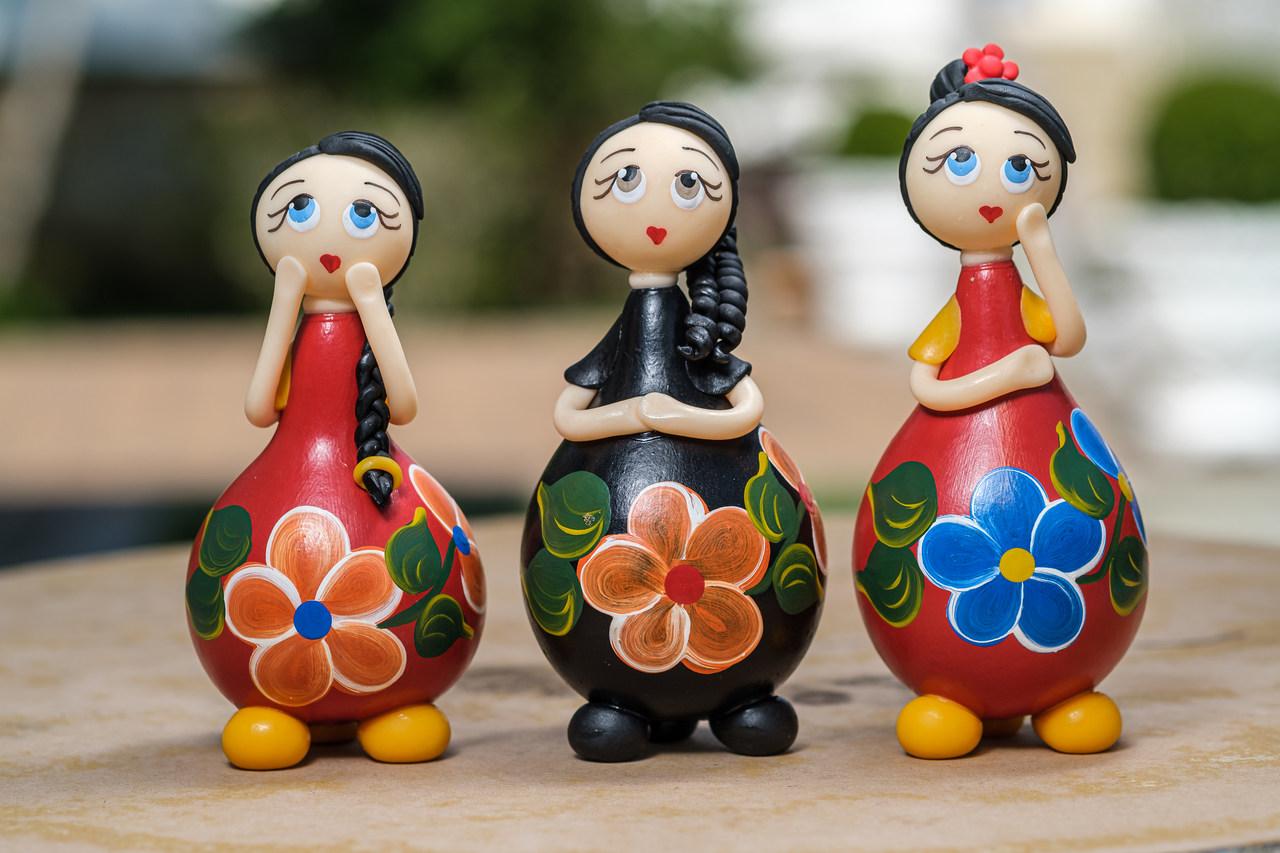 Trio de Bonecas Amorosas