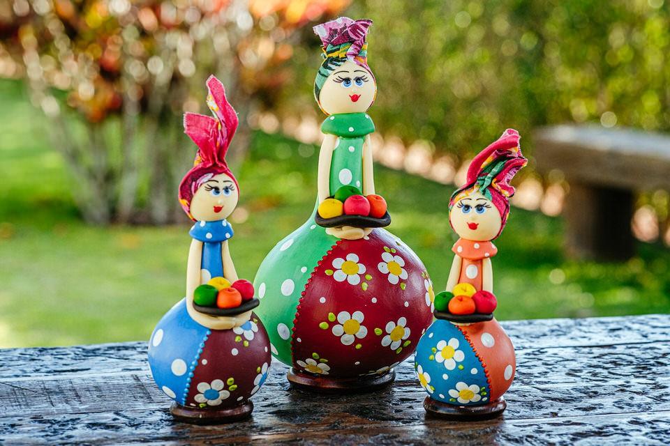Trio de Bonecas em Cabaça com Cesto de Frutas