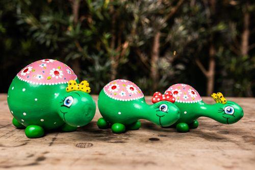 Trio de tartarugas em cabaça