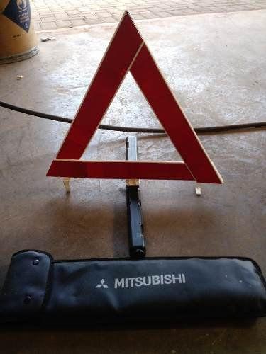 Triangulo De Sinalizacao Mitsubishi Pajero Dakar