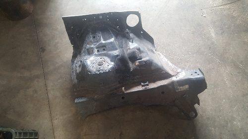 Caixa De Roda Dianteira Esq. Mitsubishi Pajero Full 15/16