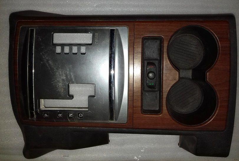 Moldura Console Central Pajero Full 2008