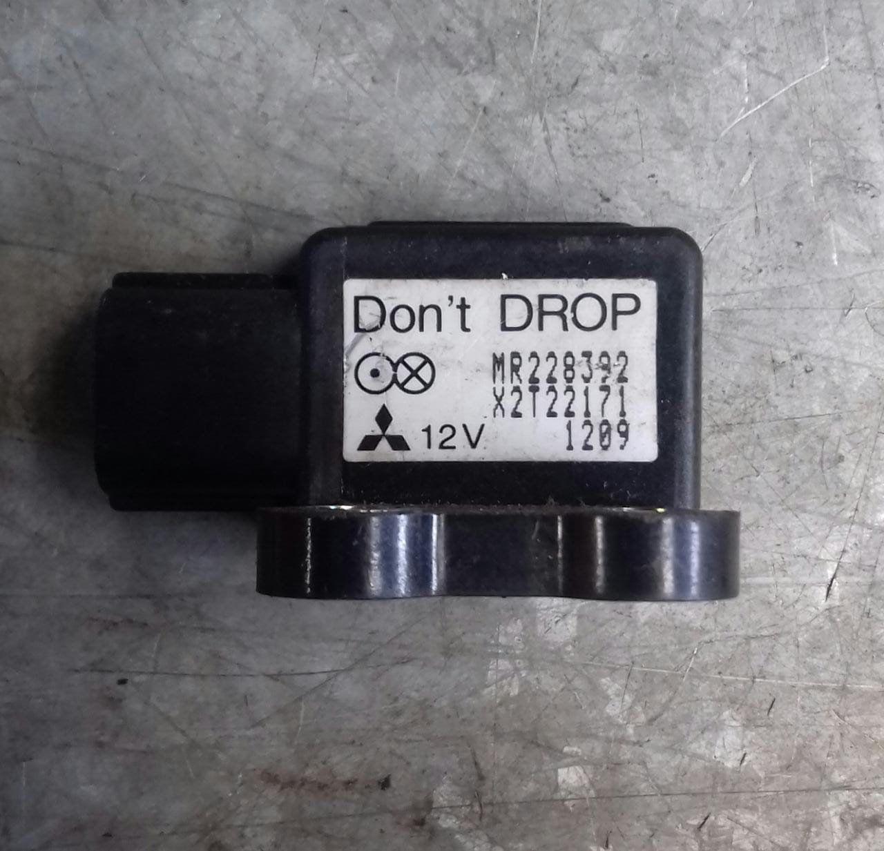 Sensor Air Bag Mr228392 Pajero Full / Gls-b / TR4 / Lancer