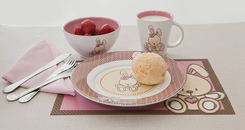 Kit Infantil Tramontina Le Petit Rosa Com Cumbuca Em Cerâmica e Colher Em Aço Inox 2 Peças 64250665