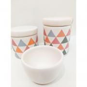 Kit Porcelana Tampa Branca Com Triangulos Coloridos -  3 PÇS
