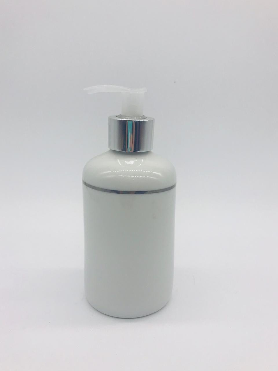 Porta Álcool Gel Porcelana Branco Com Filete Prateado -  1 UND