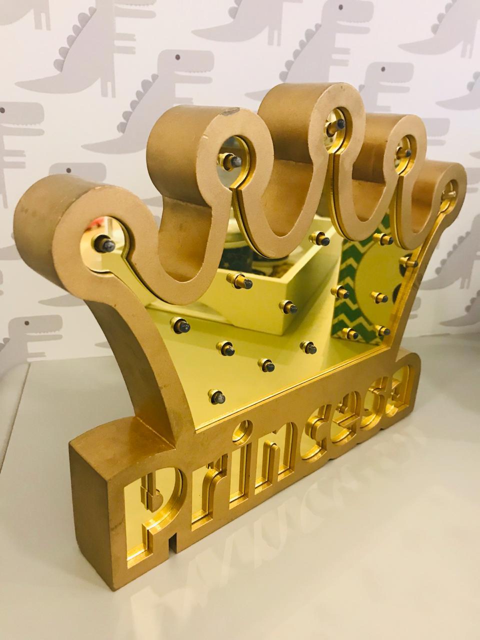 Quadro Luminária Coroa Princesa Dourado le Bon Don Refd1149