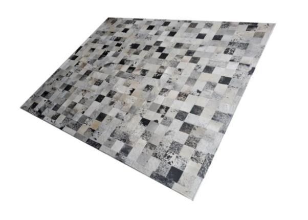 Tapete de Couro de Boi 2,5m X 2,0m Natural Costurado 10cm x 10cm Com Borda - OF27