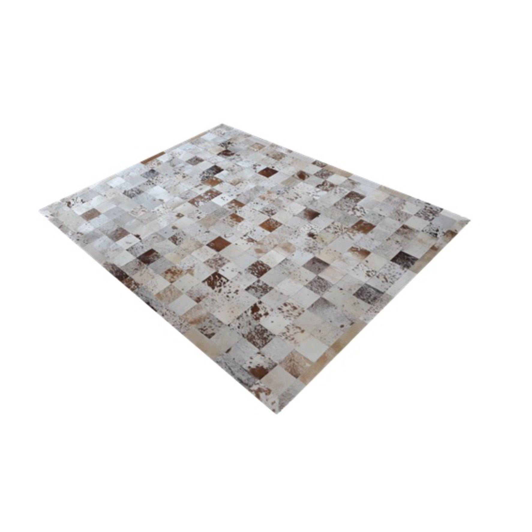 Tapete de Couro de Boi 2,5m X 2,0m Natural Costurado 10cm x 10cm Com Borda - OF30