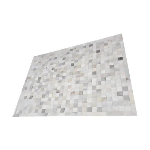 Tapete de Couro de Boi 2,5m X 2m Natural Costurado 7cm x 7cm Com Borda - OF05