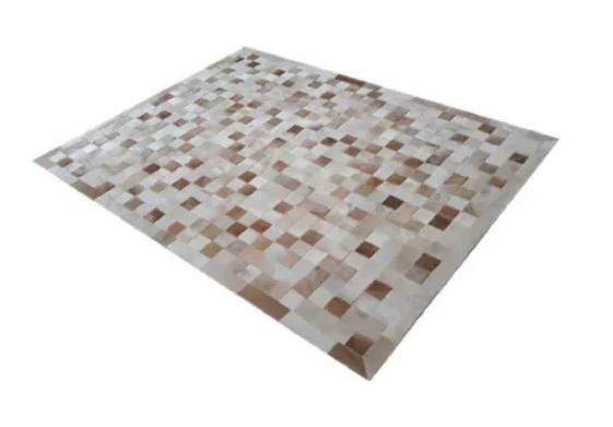 Tapete de Couro de Boi 2m X 1,5m Natural Costurado 10cm x 10cm Com Borda - ASV35
