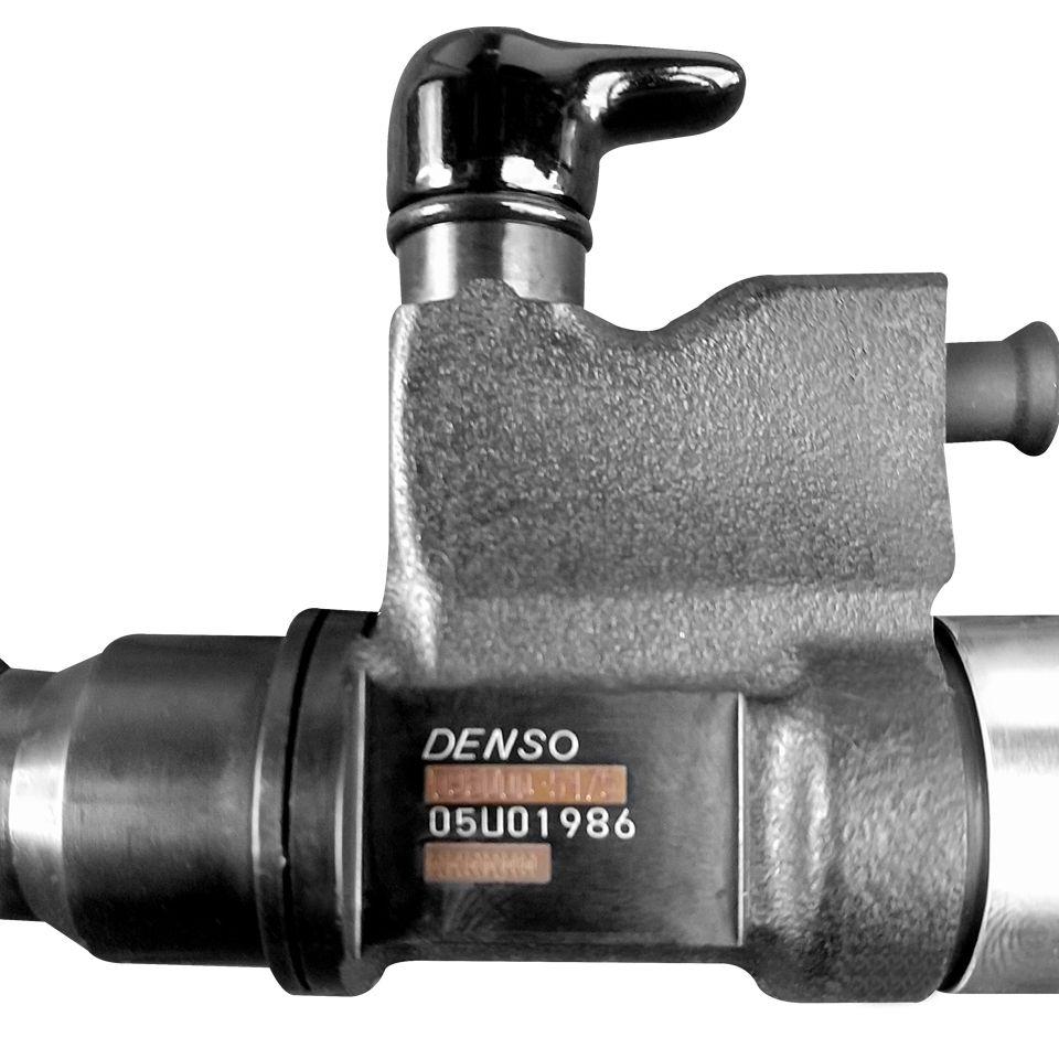 Bico injetor JCB - ISUZU  Para motor ISUZU HK1 4 e 6 cilindros  - 095000-5471 / 5475