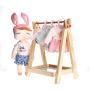 Boneca metoo fashion com Cabideiro e 4 roupinhas - Metoo