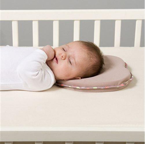 Travesseiro do bebê em formato de coração lilás