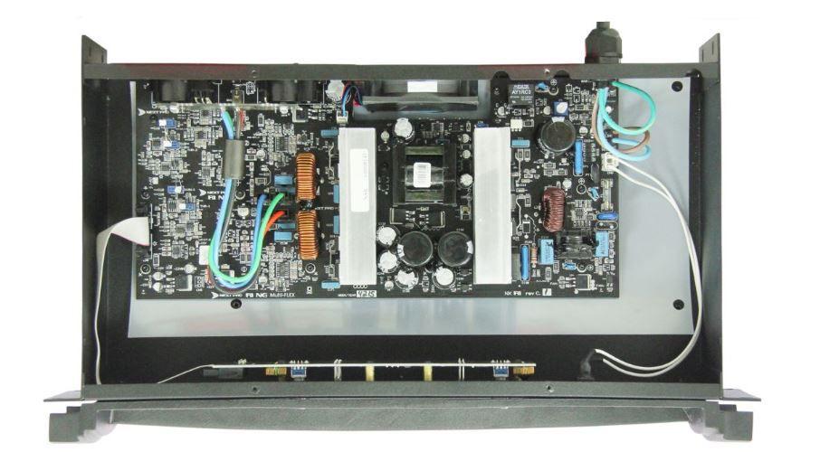 Amplificador de potencia com 2 canais de 600W em 2Ω ou 4Ω | Next Pro | R1