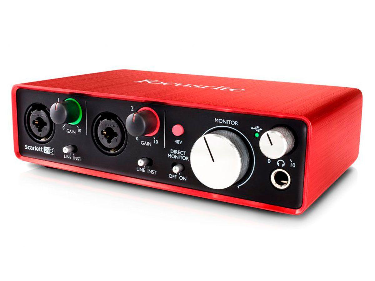 Interface USB 2.0 com 2 pré-amplificadores / 2 saídas e 192khz   Focusrite   Scarlett 2i2 2nd Geração