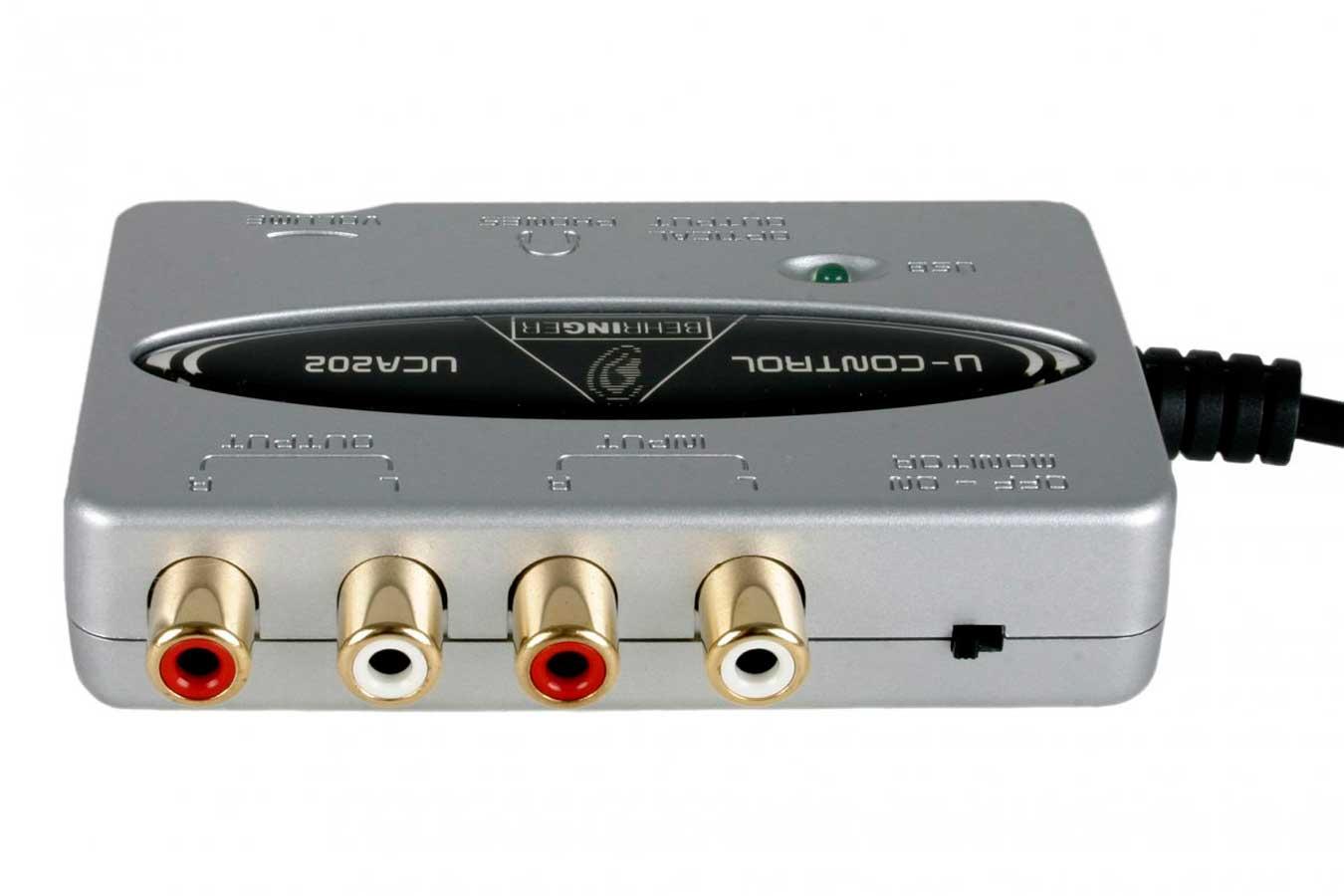 Interface USB 2 entradas e 2 saídas | Saída para Fone e Saída Óptica | Behringer | U-CONTROL UCA202