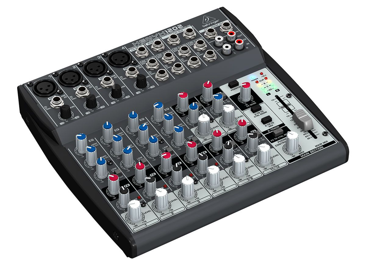 Mesa 4 pré-ampli XLR + 4 estéreo Behringer XENYX 1202