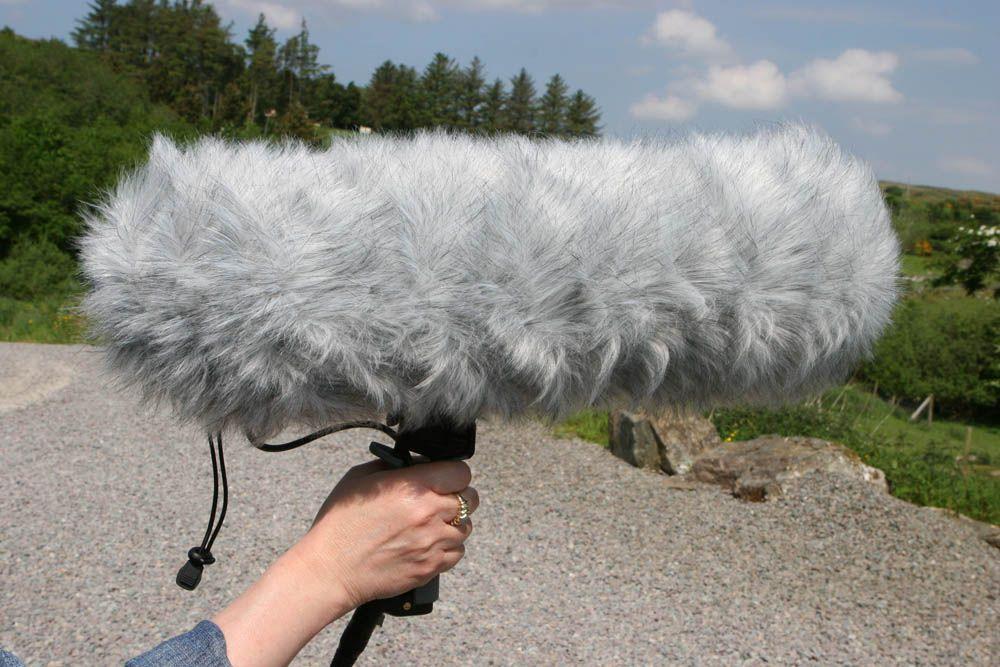 Pára-brisas com pelo sintético para suporte de microfone Zepplin como o RØDE Blimp | RODE | DEADWOMBAT