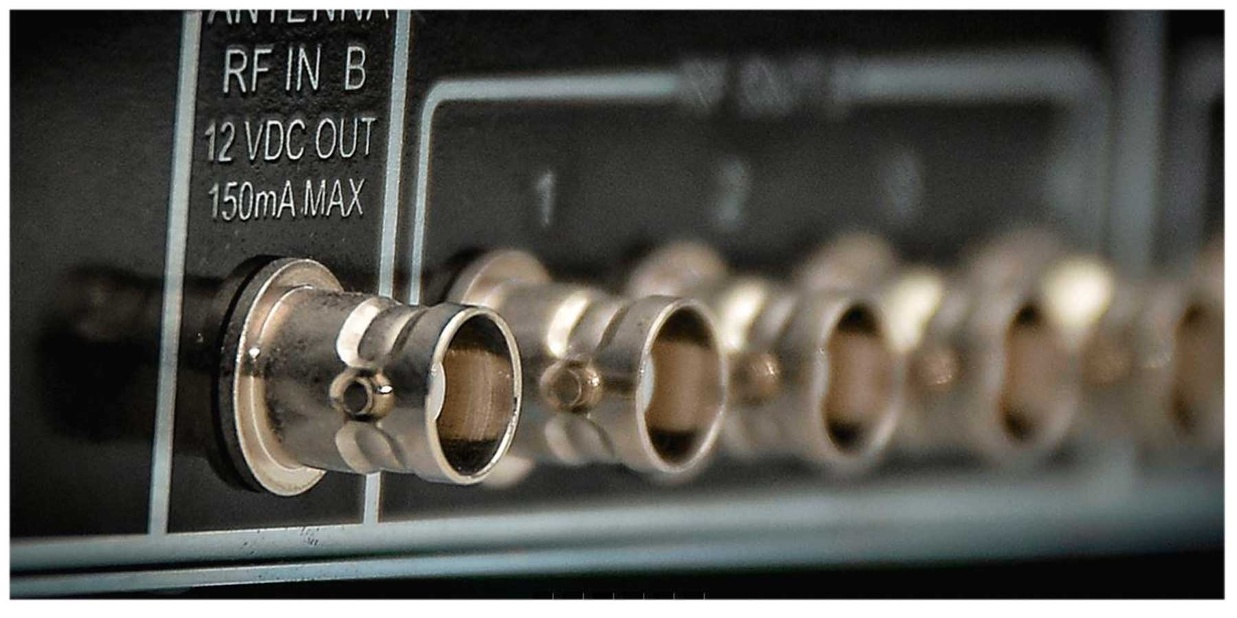 Sistema de distribuição RF para microfone UHF de 470 ~ 952 MHz   MGA Pro Audio   US-4 5050 A-1 A-2