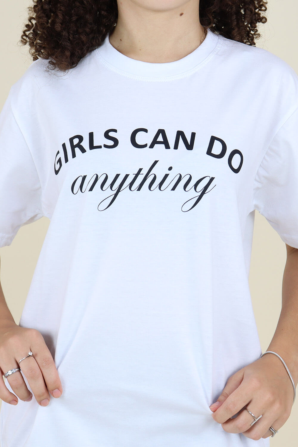 T-Shirt Chiquiteira Girls Can Do Anything Branco MD08