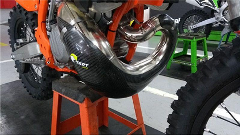 Protetor de Cano em Fibra de Carbono KTM 250 / 300cc 2 Tempos 2017 - Start Racing