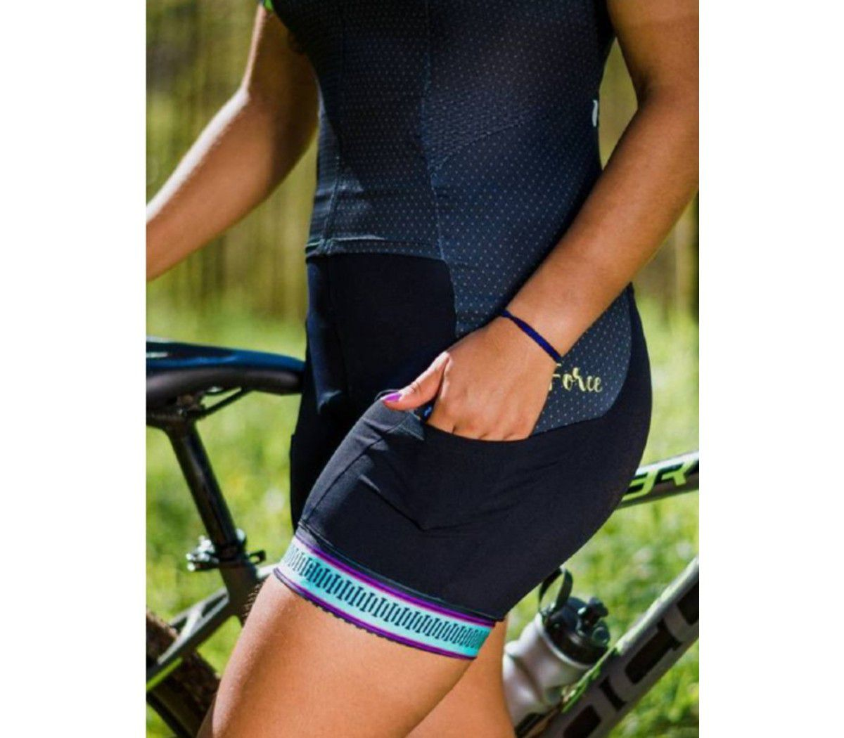 MACAQUINHO FREEFORCE FEMININO NEW WIRE PRETO CINZA COLORS CICLISMO