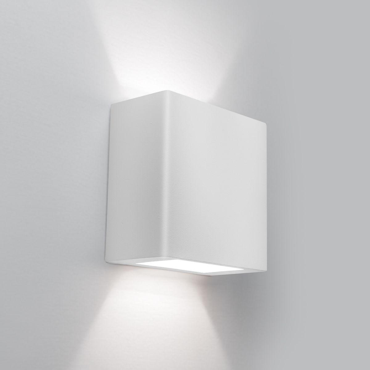Arandela LED Newline 9585LED2 New Clean Externa 2 Fachos IP43 12W 2700K 220V 100x50x100mm