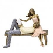 Estatueta decorativa resina casal lendo livro 257-199 Mabruk