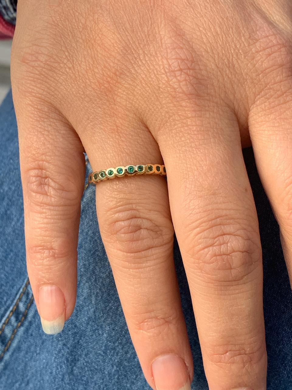 Anel Folheado Dourado com Zirconias azul e verde tam 17 | ANF29