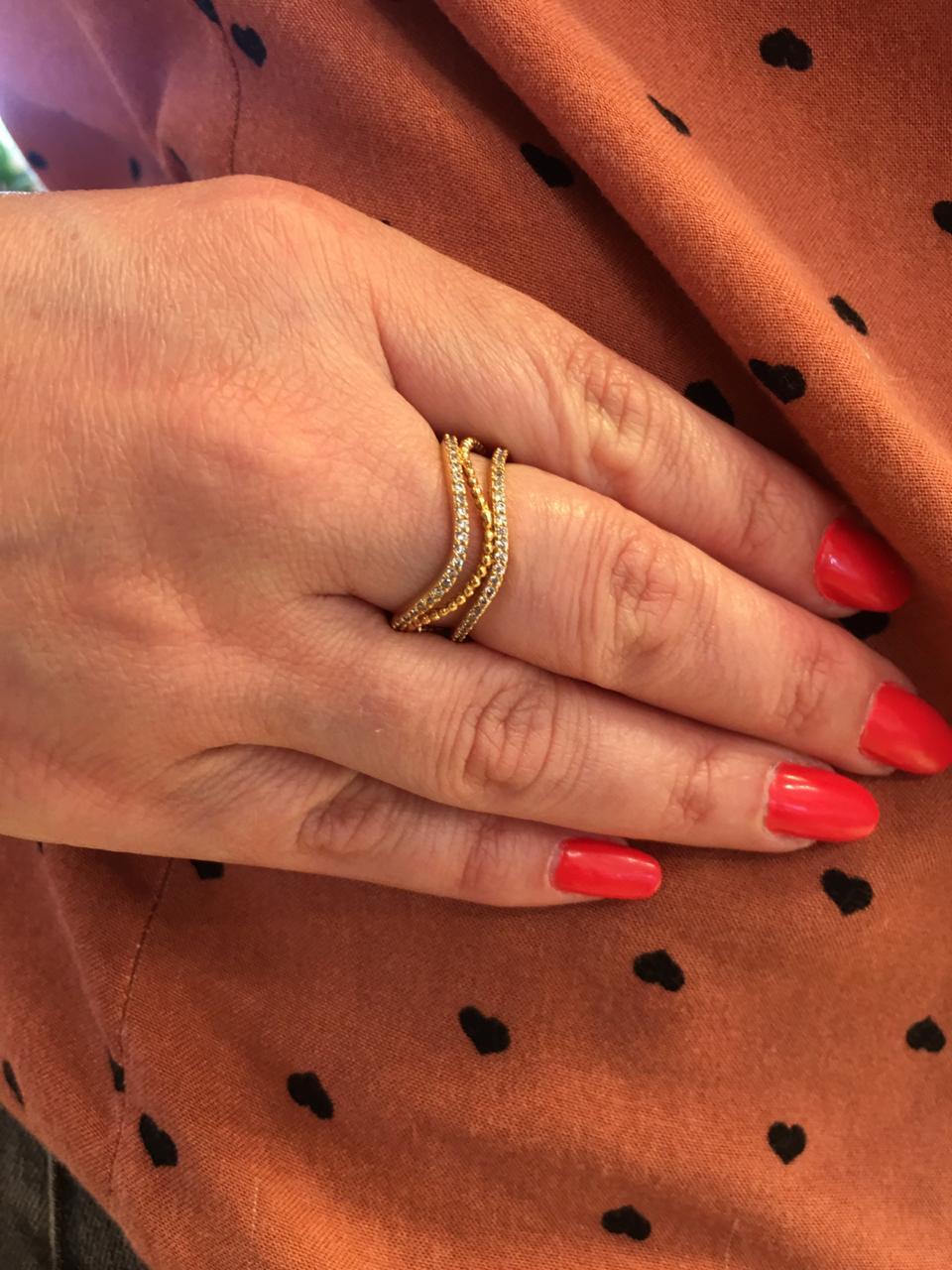 Anel Folheado Dourado ondulado com zirconias tam 20 | ANF33