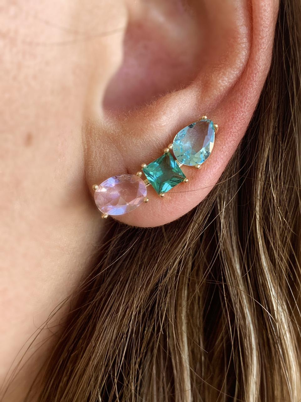 Brinco folheado com cristais azul verde e rosa | BF845