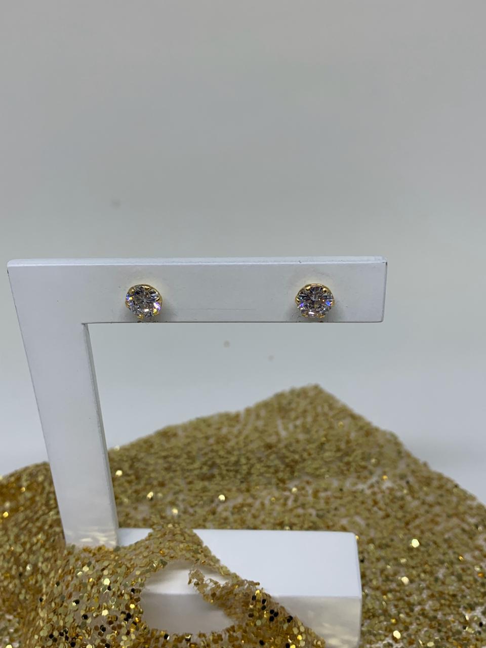 Brinco folheado dourado com cristal   BF872