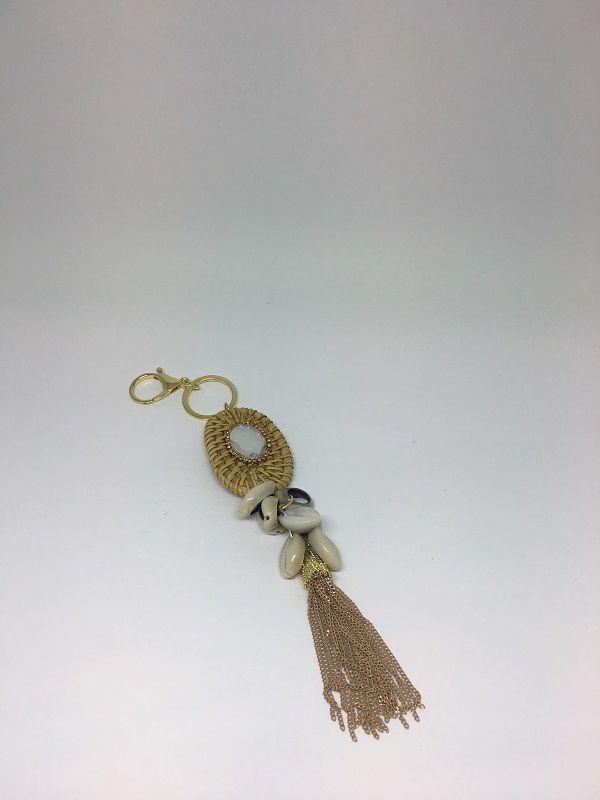 Chaveiro Dourado com chatton búzios e correntes nude | CHAV01