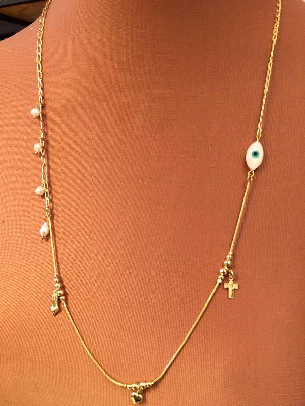 Colar Folheado longo dourado com dois tipos de corrente ping olho coração figa e pérola água doce | CF383