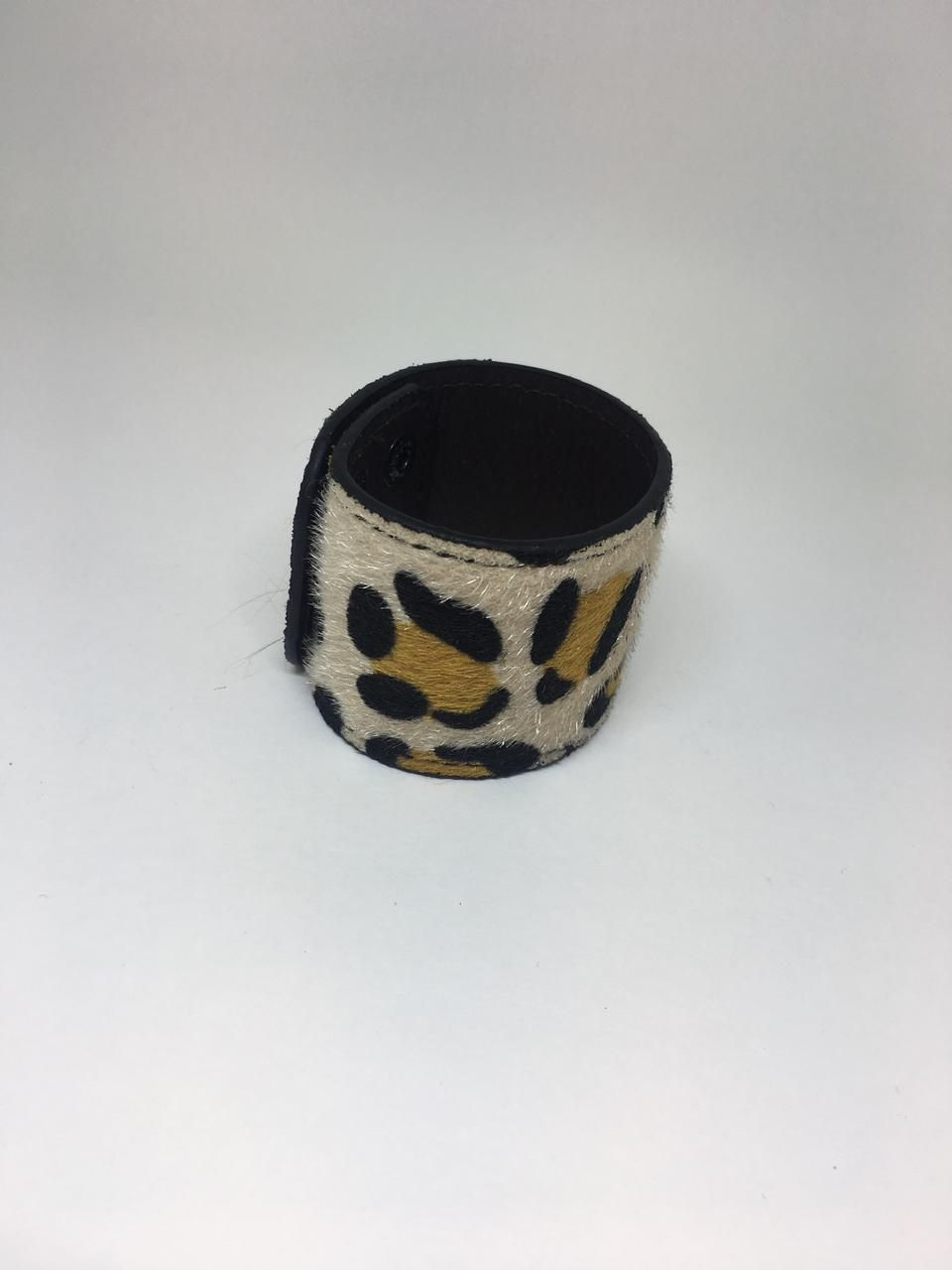 Pulseira Artesanal Bracelete em Couco de Animal Print | PA143