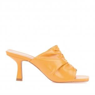 Sandália Salto Médio New Couro Mustard
