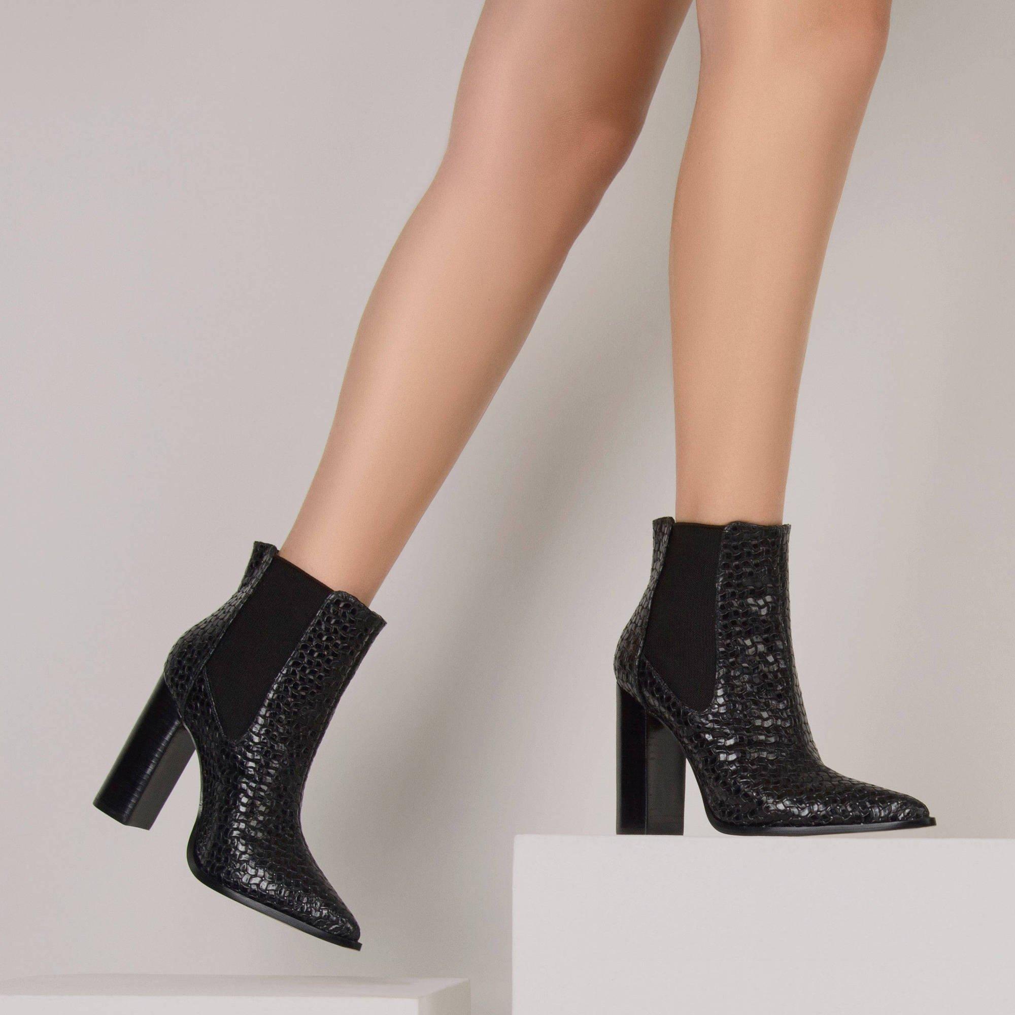 Bota Salto Alto Leather Triss Preto