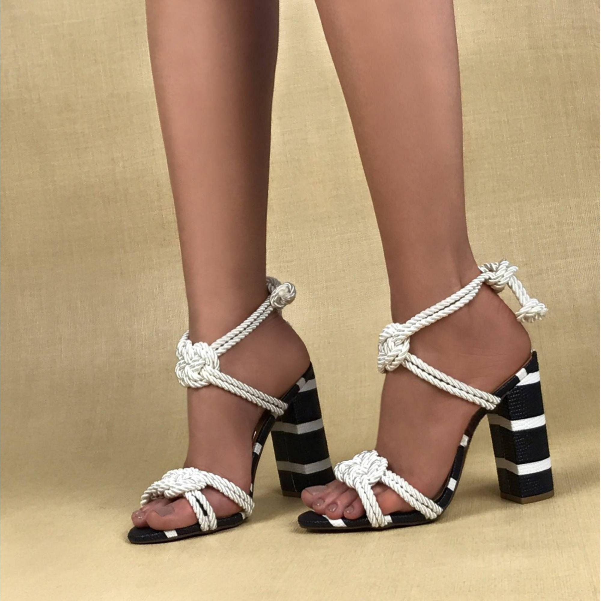 Sandália Salto Alto Cordão Off-White