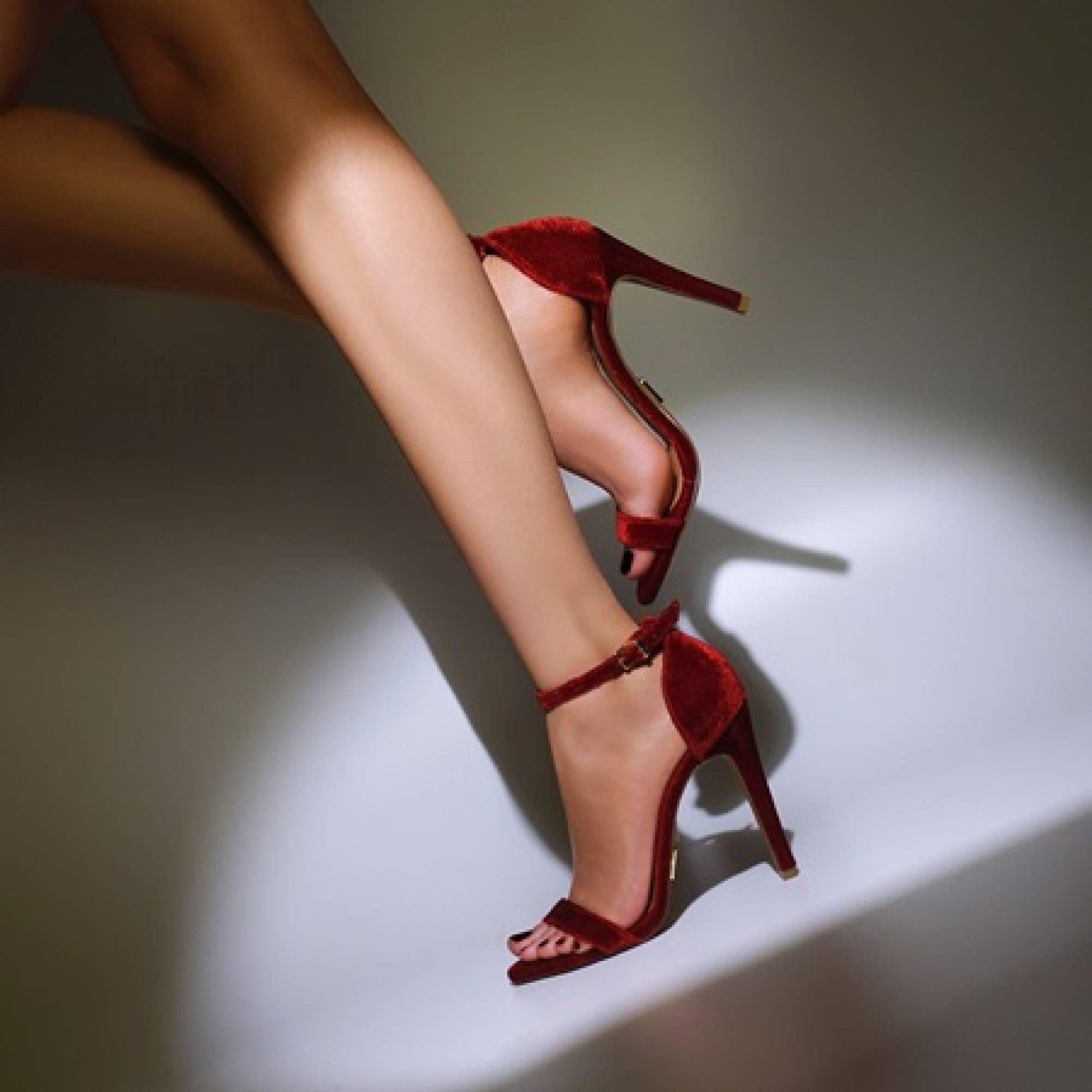 Sandália Salto Alto Veludo Rubi