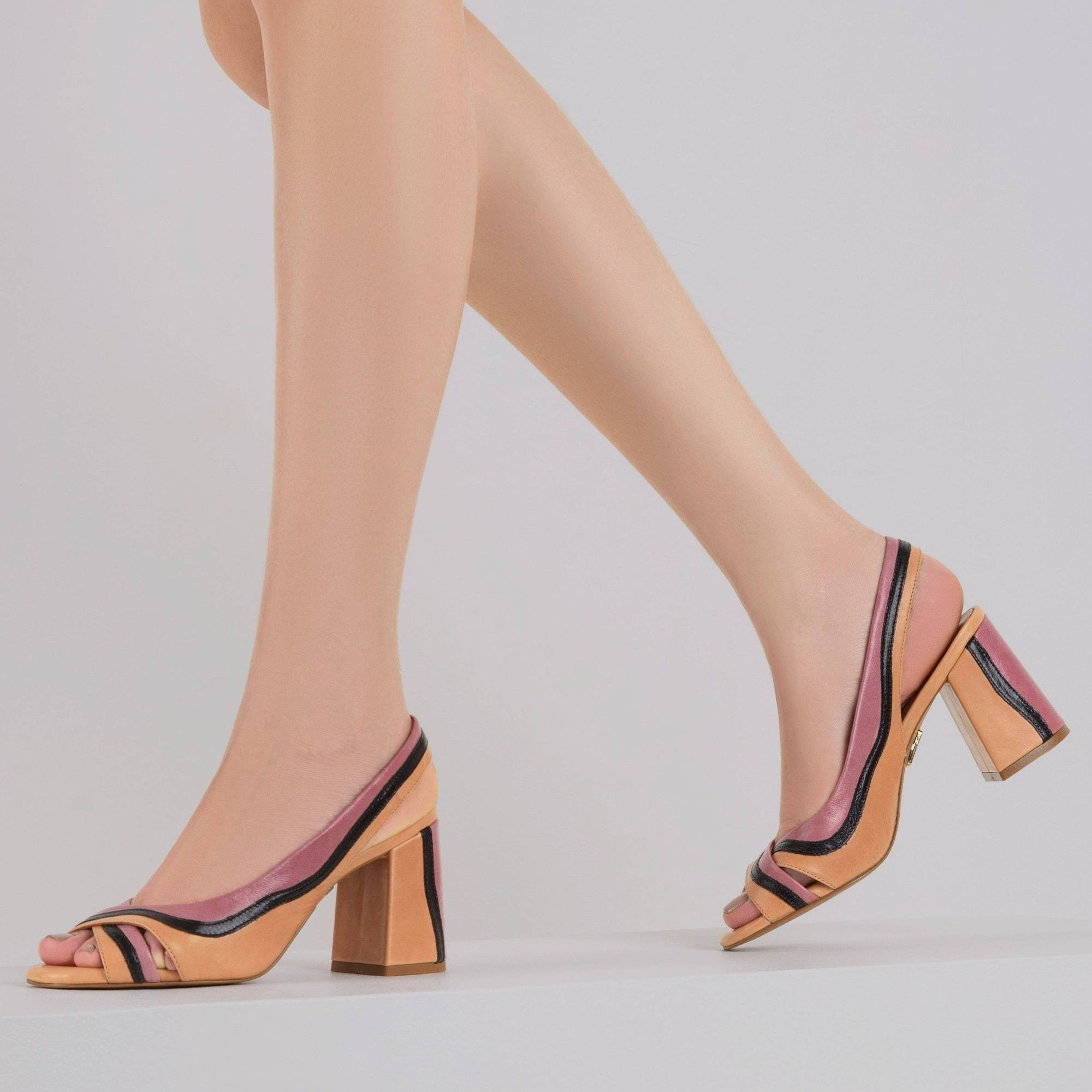 Sandália Salto Médio Color Tan
