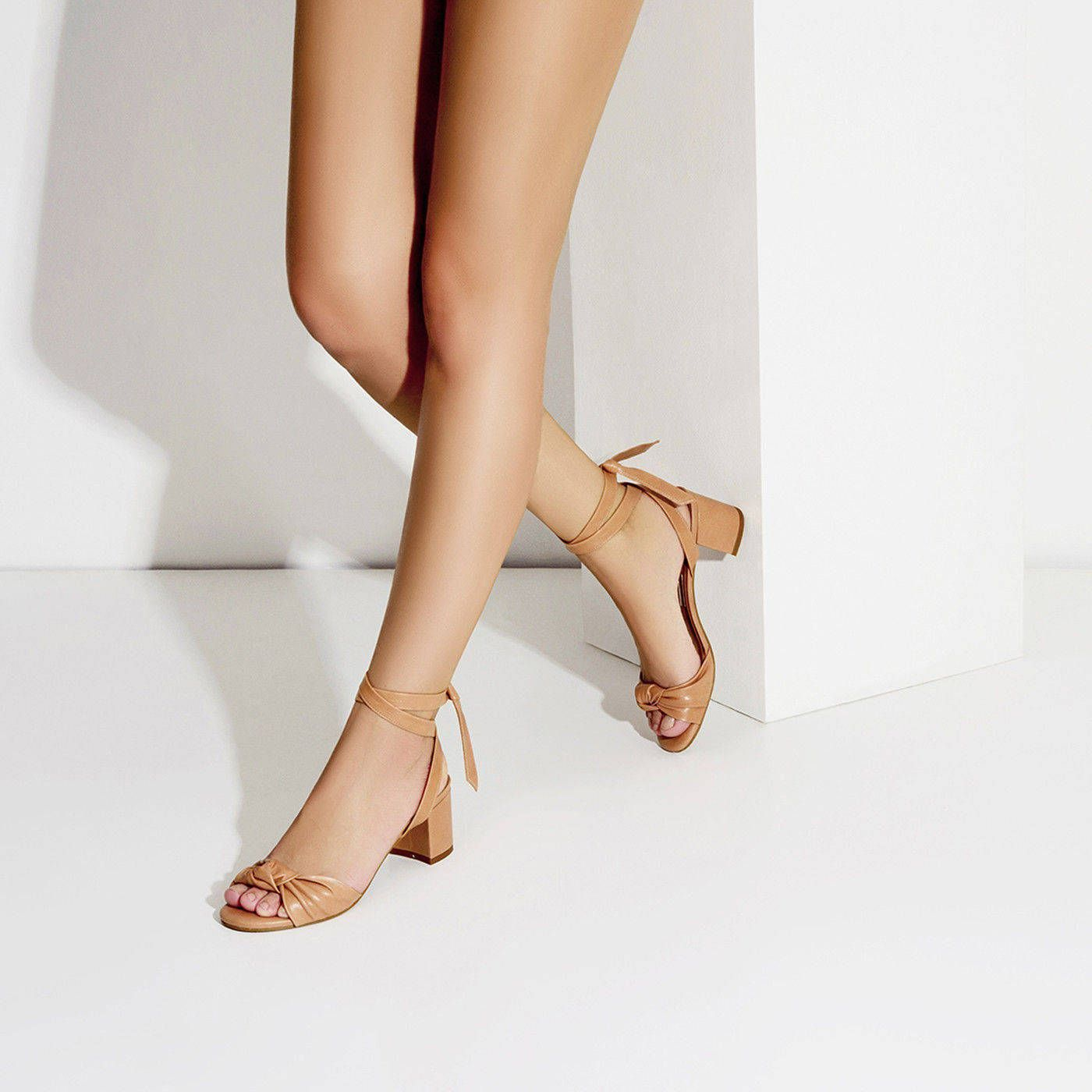 Sandália Salto Médio Couro Tan
