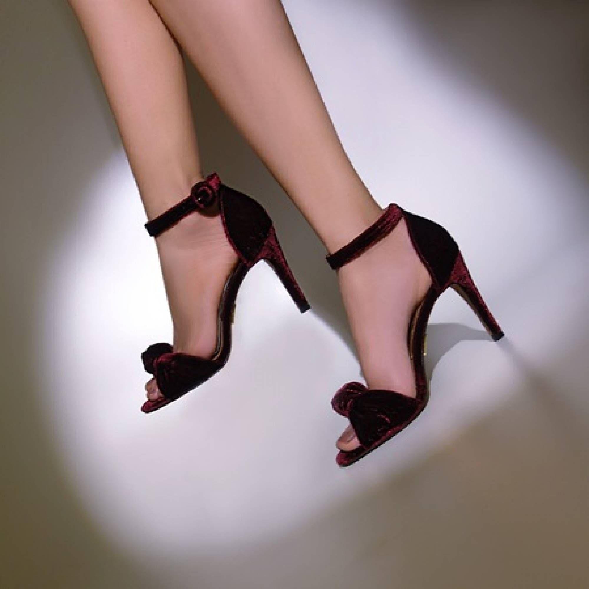 Sandália Salto Médio Veludo Vinho