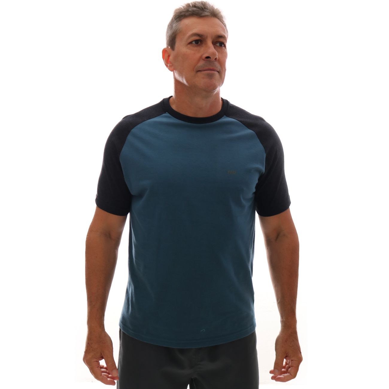 Camiseta HD Raglan Minimal Petroleo