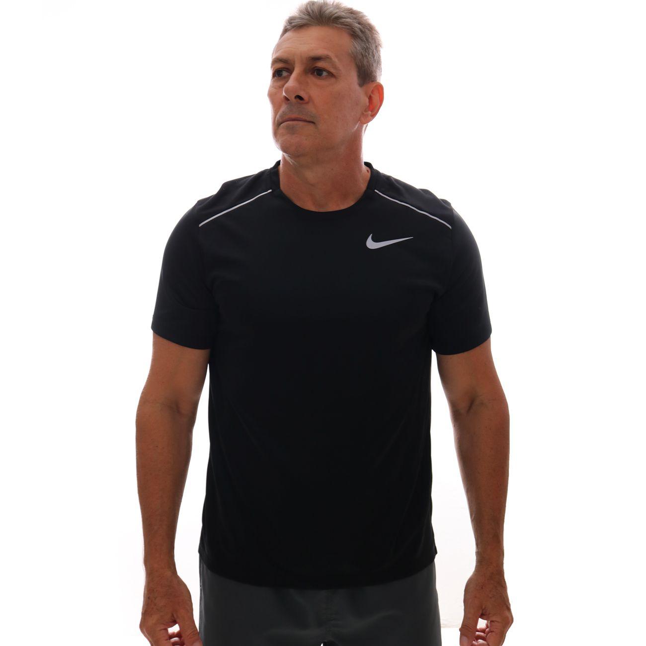 Camiseta Nike Dri-FIT Miler Preto